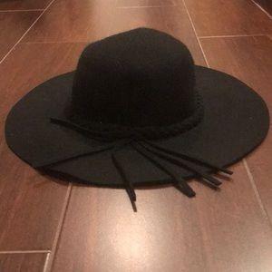 Accessories - Floppy Black Hat